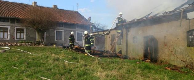 Glądy: Spłonął budynek gospodarczy [foto]